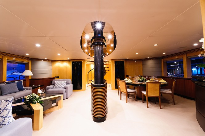 Superyacht SPIRIT - Salon and formal dining area