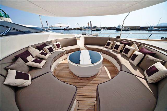 Superyacht TOBY - Bow seating area
