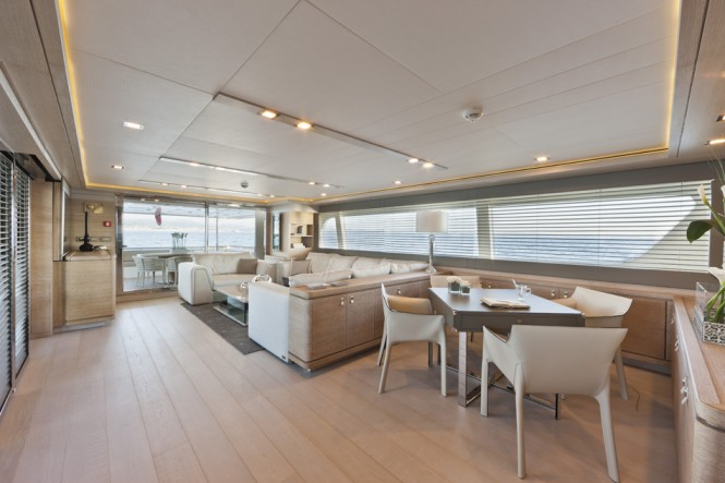 Superyacht ZIACANAIA - Main salon