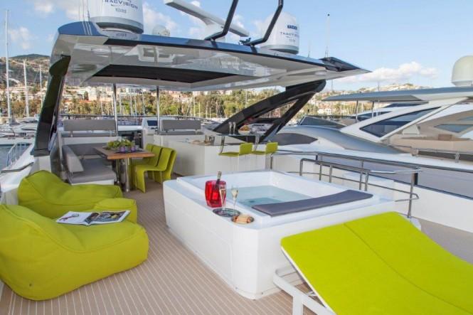 Amer Cento Quad superyacht - Sundeck