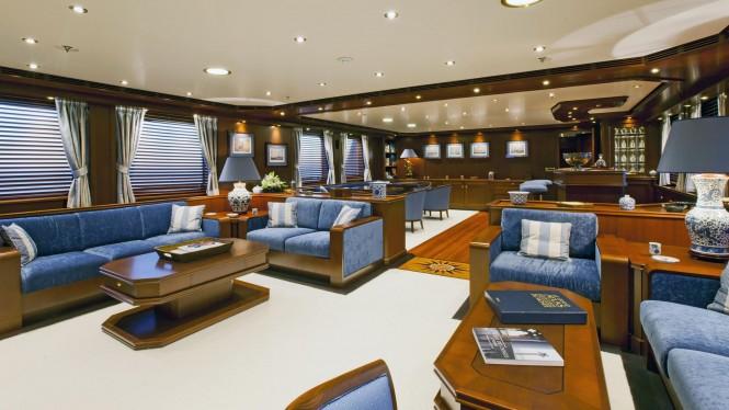 Luxury yacht AXANTHA II - Main salon
