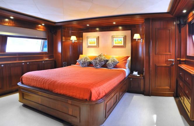 Luxury yacht CONQUISTADOR - Master suite