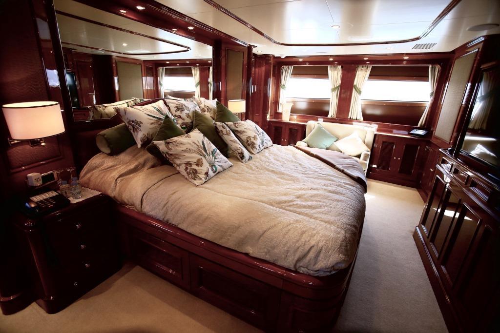 Luxury Yacht Dxb Master Suite Yacht Charter Superyacht News