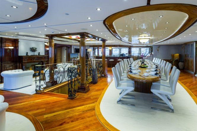 Luxury yacht LEGEND - Main salon and formal dining area