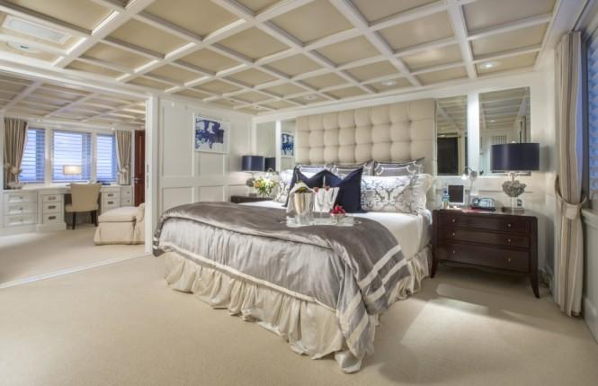 Luxury yacht RHINO - Master suite