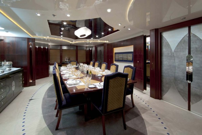 Luxury yacht SARAH - Formal dining room