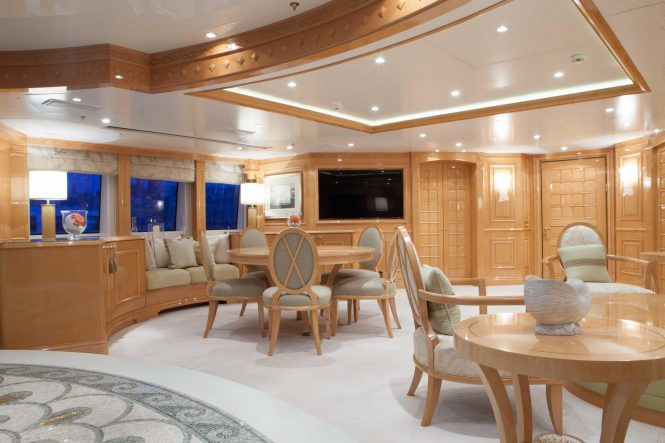 Luxury yacht ST DAVID - Skylounge