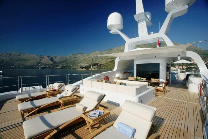 Motor yacht ANDREAS L - Aft Sundeck with Sunbeds