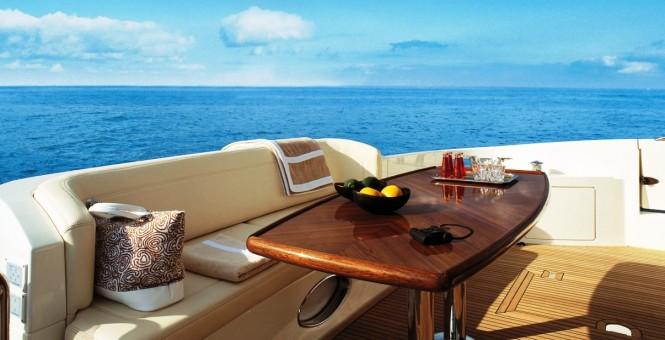 Motor yacht BEAUTY - Main deck aft