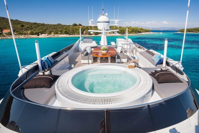 Motor yacht BRAZIL - Sundeck