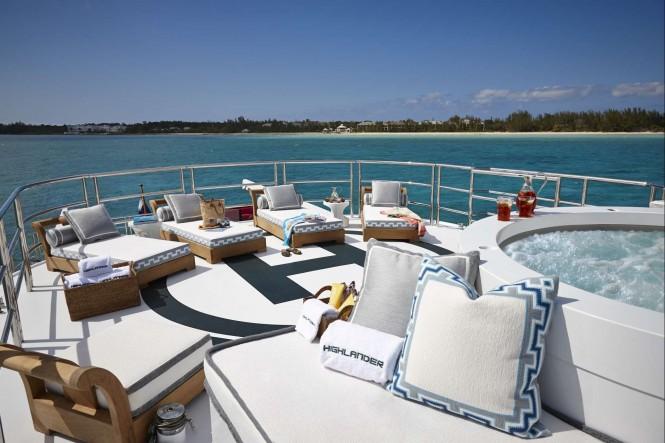 Motor yacht HIGHLANDER - Sundeck aft helipad with Jacuzzi
