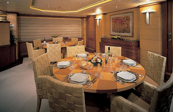 Motor yacht KANALOA - Formal dining