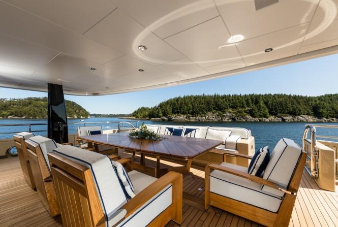 Motor yacht LILI - Main deck aft