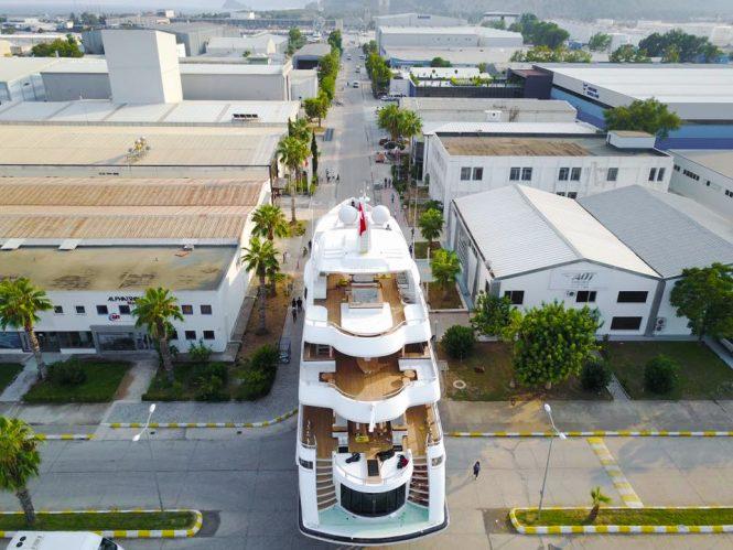 Motor yacht LIQUID SKY - Preparing for launch