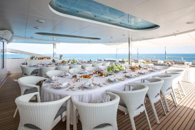 Motor yacht MOONLIGHT II - Alfresco dining