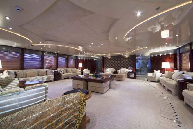 Motor yacht SARAH - Main salon view forward