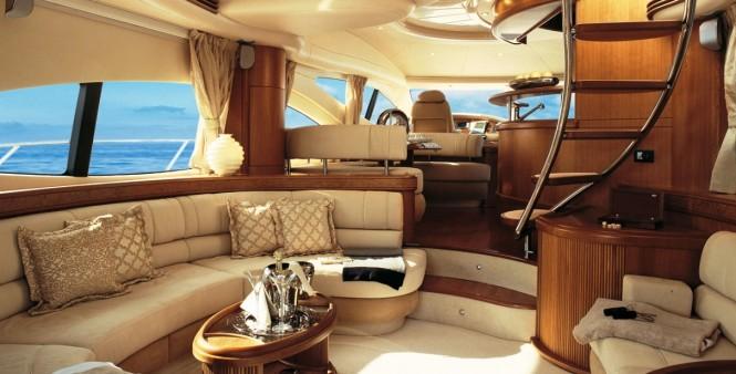 Open yacht BEAUTY - Salon