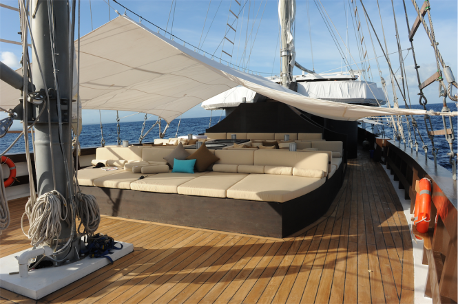 Sailing yacht ZEN - Sunpads and cockpit dining