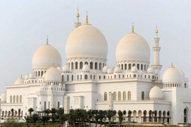 Sheikh Zayed Grand Mosque - Image credit to Visit Abu Dhabi
