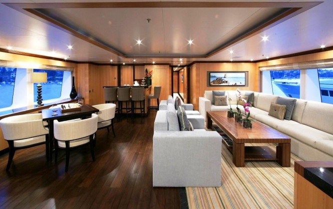 Superyacht ANDREAS L - Skylounge