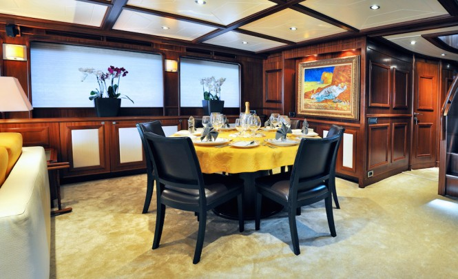 Superyacht CONQUISTADOR - Formal dining