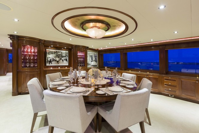 Superyacht FAR FROM IT - Formal dining