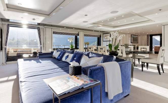Superyacht LILI - Main salon