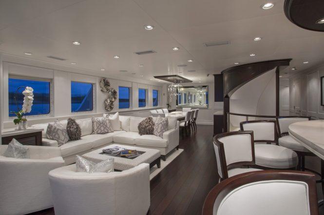 Superyacht MARCATO - Main salon, formal dining area and bar