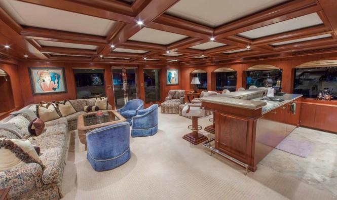Superyacht RELENTLESS - Main salon