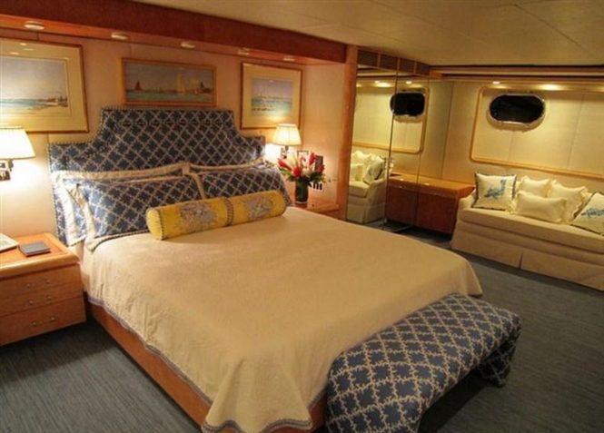 Superyacht RENA - Master suite