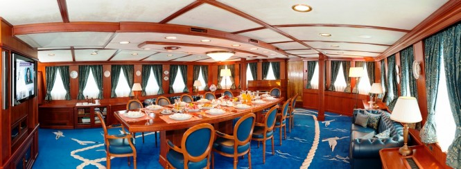 Superyacht SEAGULL II - Formal dining room