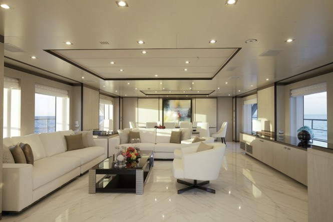 Superyacht WILLOW - Main salon and formal dining area