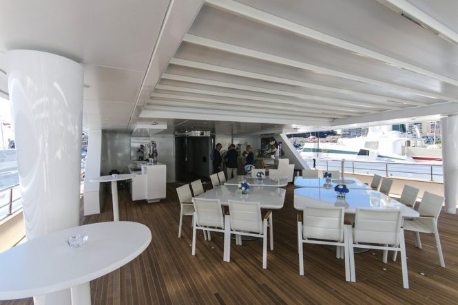 Alfresco dining aboard motor yacht KATINA