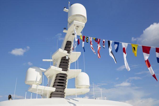 Feadship motor yacht SAMAYA - Mast