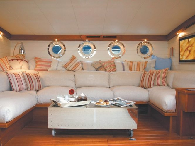 Luxury yacht ALEXA - Main salon