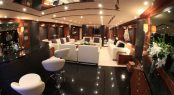Luxury yacht BARRACUDA RED SEA - Main salon and bar