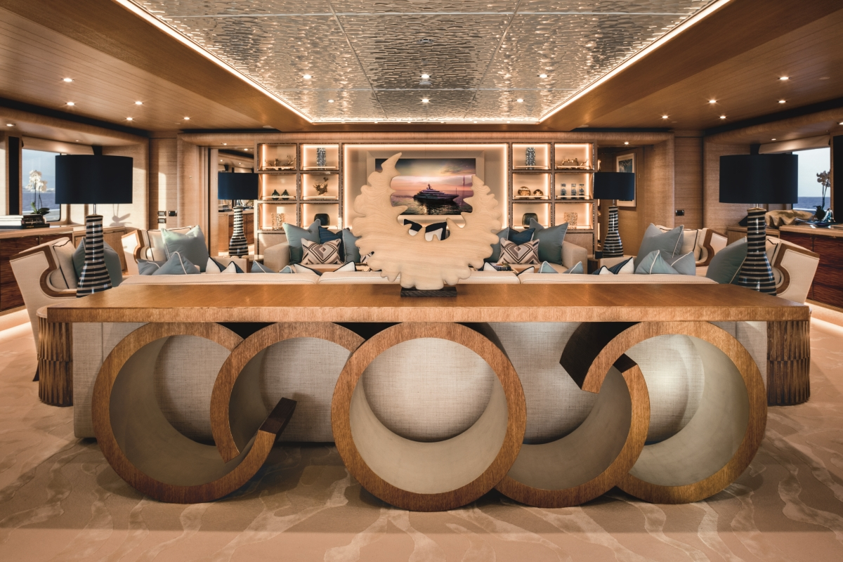 Luxury yacht CLOUD 9 - Skylounge detail