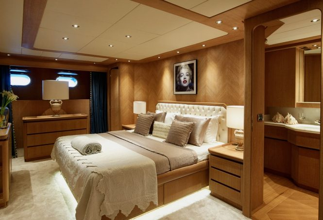 Luxury yacht DALOLI - Master suite