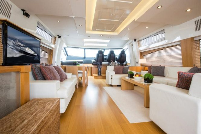 Luxury yacht FIRECRACKER - Salon