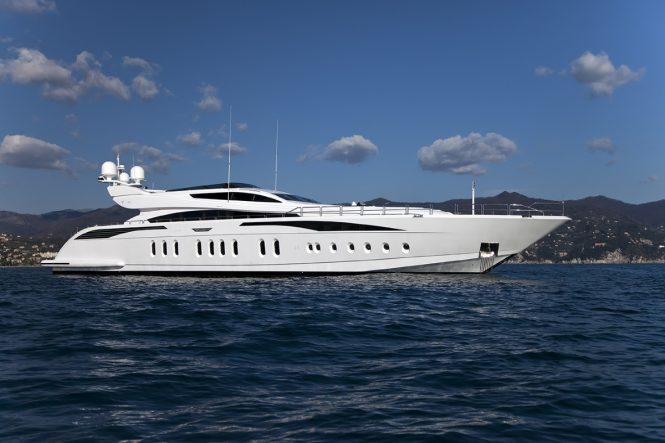 Luxury yacht LISA IV - Built by Leopard