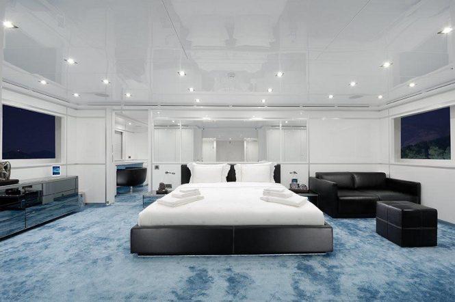 Luxury yacht SERENITAS - Master suite