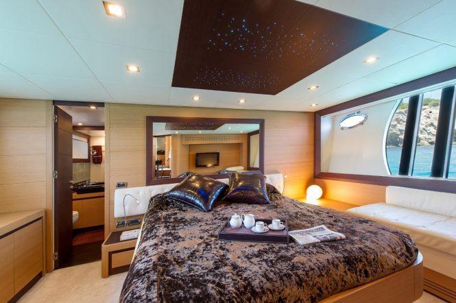 Luxury yacht SHALIMAR - Master suite