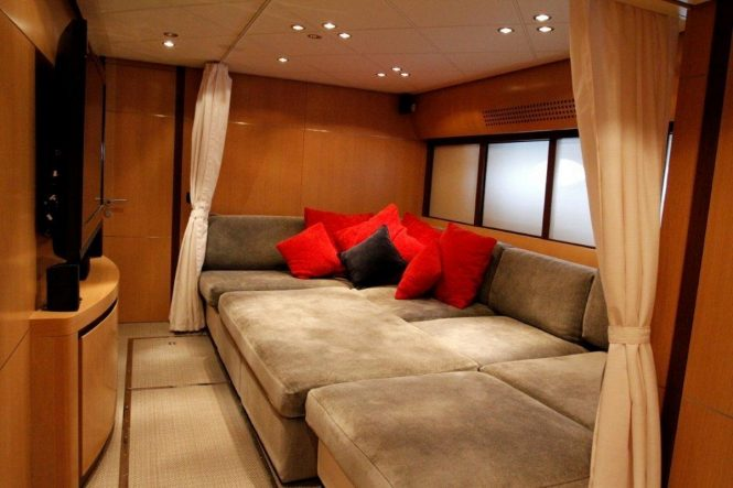 Luxury yacht TIGER LILY OF LONDON - Media room