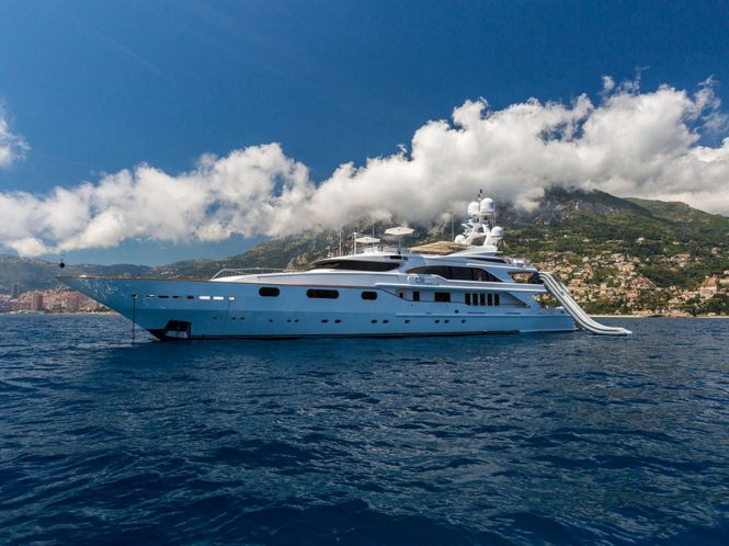 Motor yacht AIR - Built by Benetti