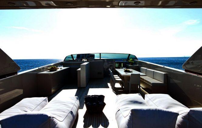 Motor yacht DALOLI - Sundeck