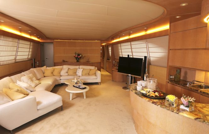 Motor yacht IF - Salon