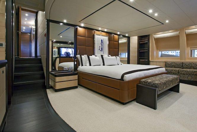 Motor yacht LISA IV - Master suite