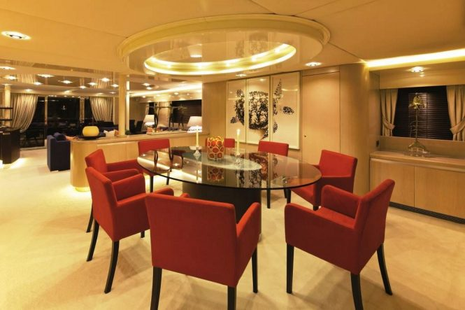 Motor yacht MAGIX - Formal dining area