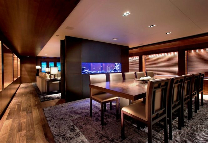 Motor yacht ODESSA - Formal dining area