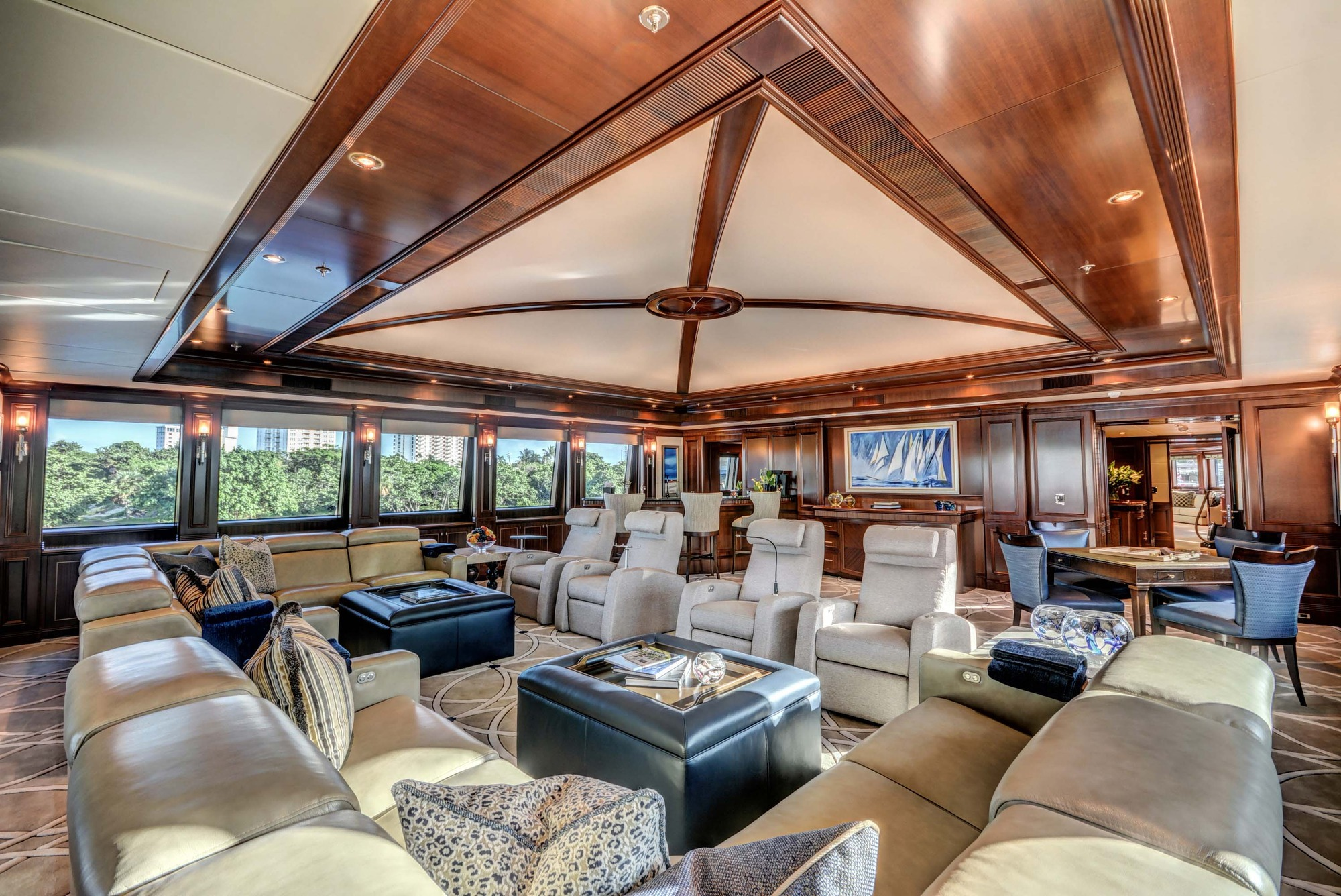 Motor yacht SOVEREIGN - Skylounge